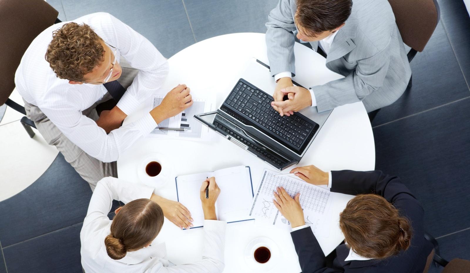 5657bf2fe Kto z nás ešte neabsolvoval pracovné stretnutie?! Schôdzka s kolegami,  vedením firmy, klientom, či s obchodným partnerom je súčasťou pracovného  života ...